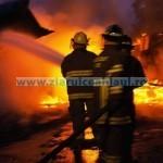 Gravidă panicată de casa în flăcări