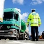 Mai multe indicatoare prin oraş pentru dirijarea circulaţiei autovehiculelor de mare tonaj
