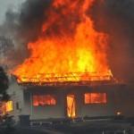 Case în flăcări