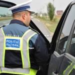 Peste 300 mașini de marfă și transport persoane verificate de polițiști
