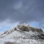 Ger și vântoasă pe Ceahlău, primăvară în rest
