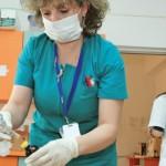 Polițe de asigurare de minim 2.000 de euro pentru reavizarea asistenților medicali