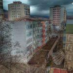 Înnămolit în albia Moldovei, a cerut ajutorul pompierilor