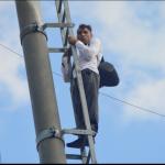 Protestatarul de pe stâlpul telegondolei a fost condamnat