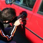 Suspect din Tulgheș în cazul spargerilor de mașini din Ceahlău