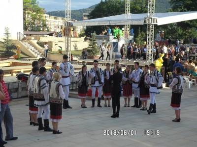1 iunie curtea domneasca - primarie (8)