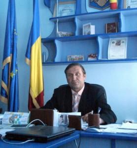 Manole Ciobanu, primar Români_resize